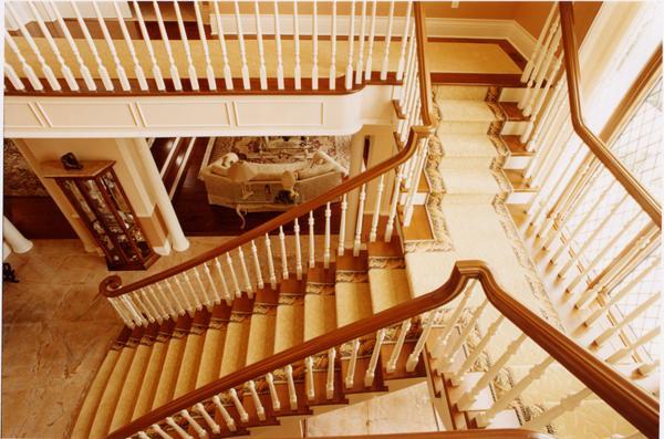 Cmd des rampes pour tout type d escaliers carpette multi design montr al - Tapis pour escalier en bois ...